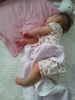 寝てても動きまくり2