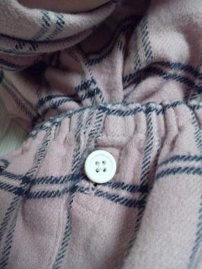 無印良品 パジャマの脇にボタン