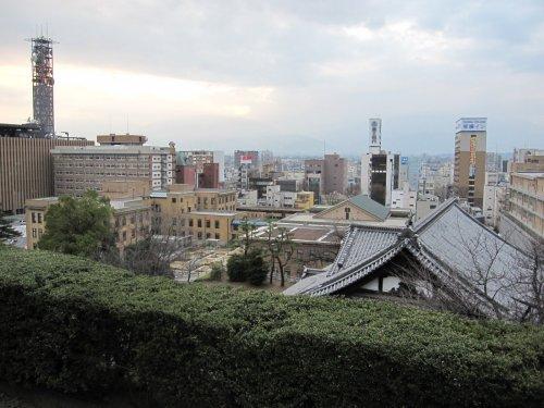 5舞鶴城公園中心地方面