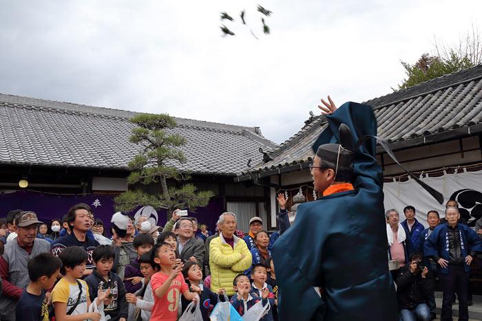 調田一事尼古神社 おんだ祭3