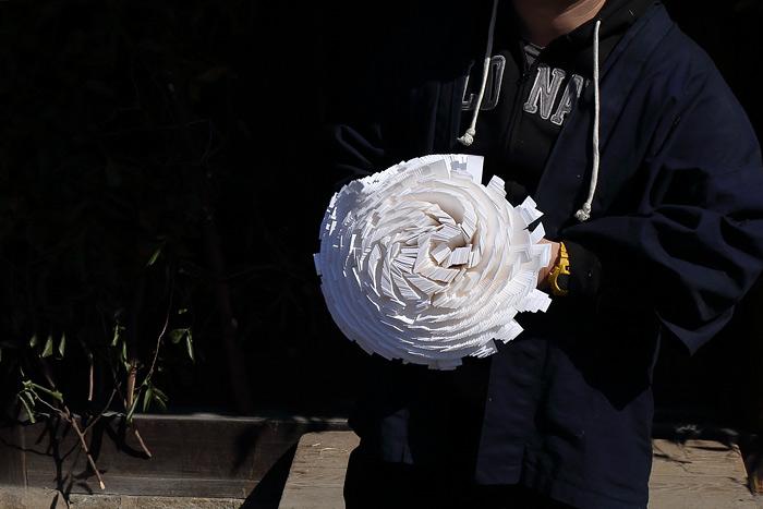 お水取り 蜂の巣飾り2