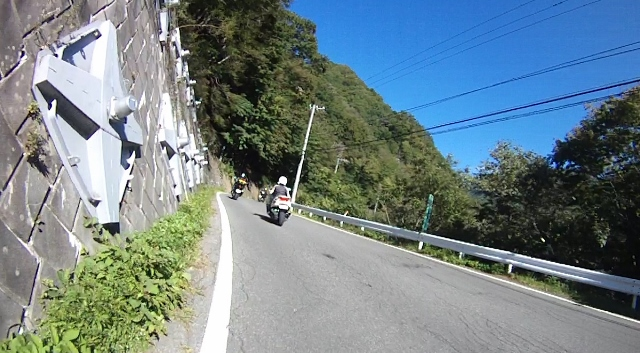 sukesan裏見の滝ツー31 (640x353)