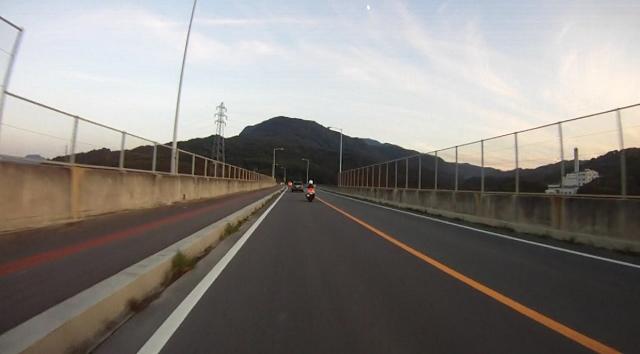 sukesan裏見の滝ツー51 (640x354)