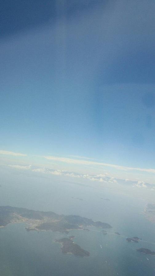 飛行機から見た水平線(ミーママ撮影)1