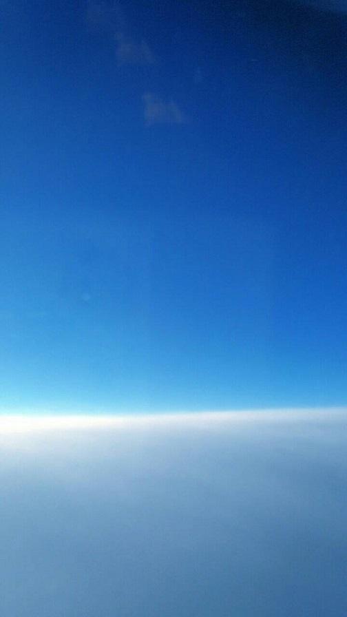 飛行機から見た水平線(ミーママ撮影)3