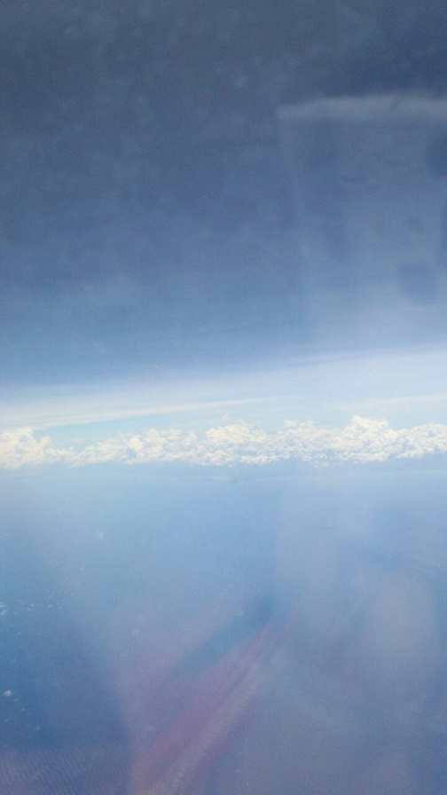 飛行機から見た水平線(ミーママ撮影)4