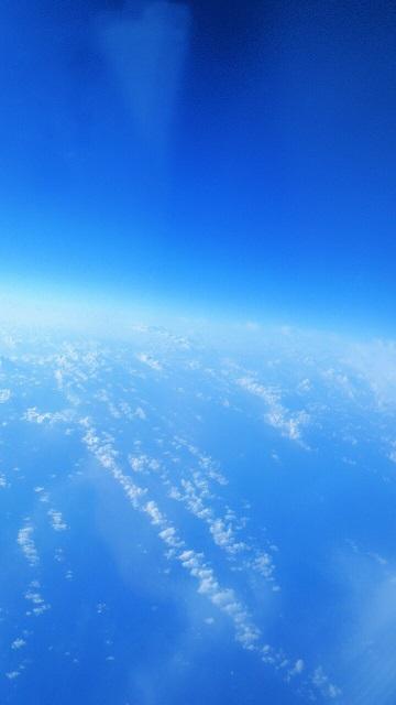 【ダンスレッスンに行ったミーママがアジアの空から見た水平線】01