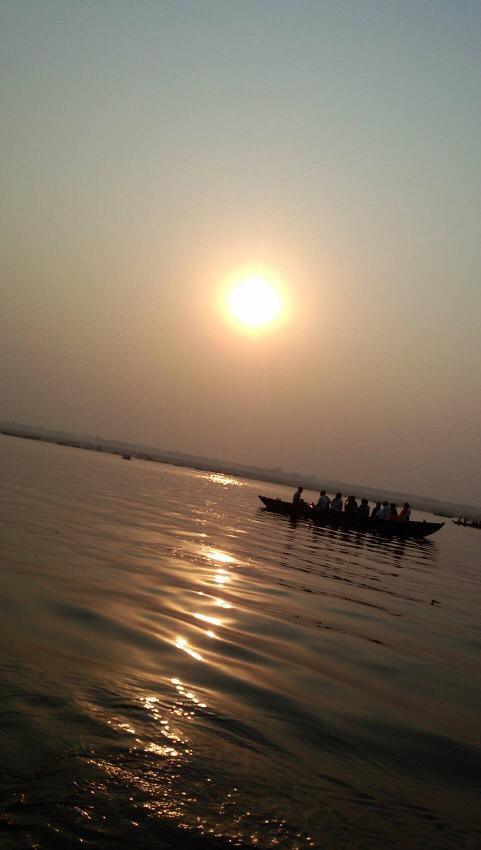 ミーママインド旅55聖なるガンガーの夕日