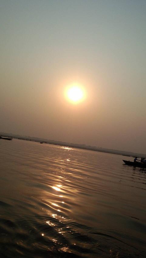 ミーママインド旅57聖なるガンガーの夕日