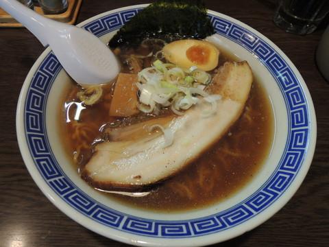 醤油ラーメン(680円)