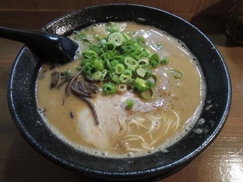 濃香とんこつ(醤油)(700円)