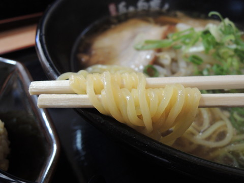 しょうゆらーめんの麺