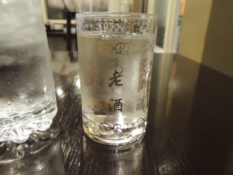 高粱酒(53度パイチュウ)(440円)
