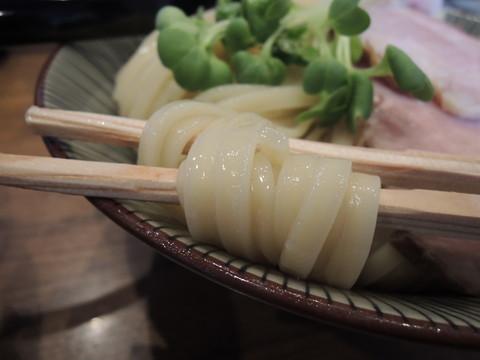 辛つけ麺(大盛)の麺
