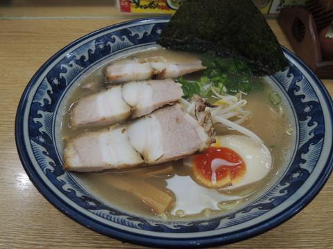 大阪屋ラーメン(690円)