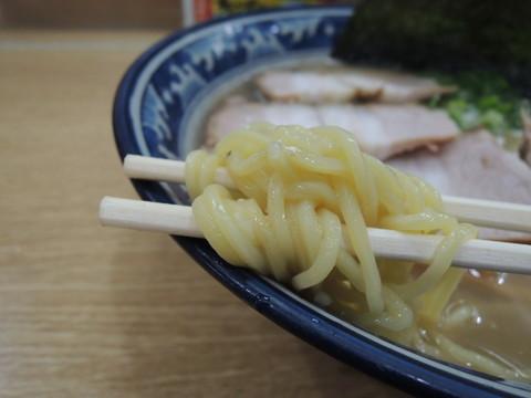 大阪屋ラーメンの麺