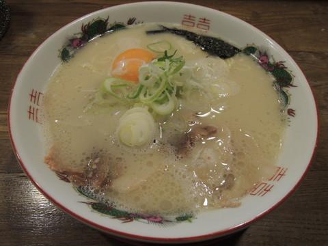 玉子入りラーメン(600円)