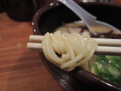 白らーめんの麺