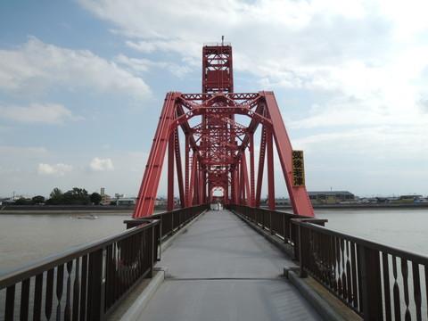 筑後川昇開橋(可動橋に接近中)