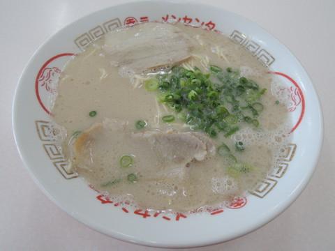 ラーメン(420円)