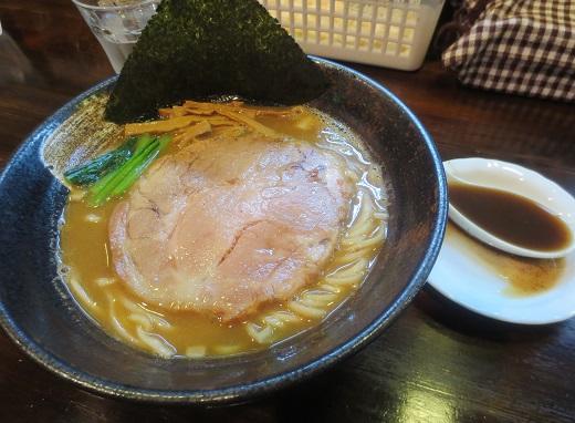 ラーメン+黒濃煮干脂