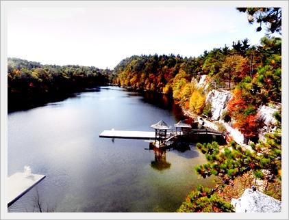 ホテルの湖