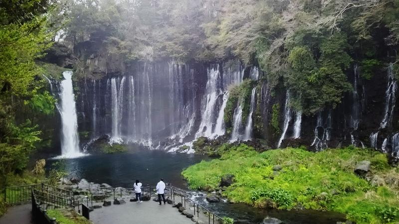 白糸の滝01 (800x450)