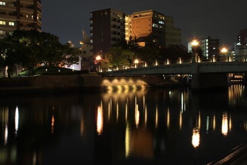 夜の元安橋