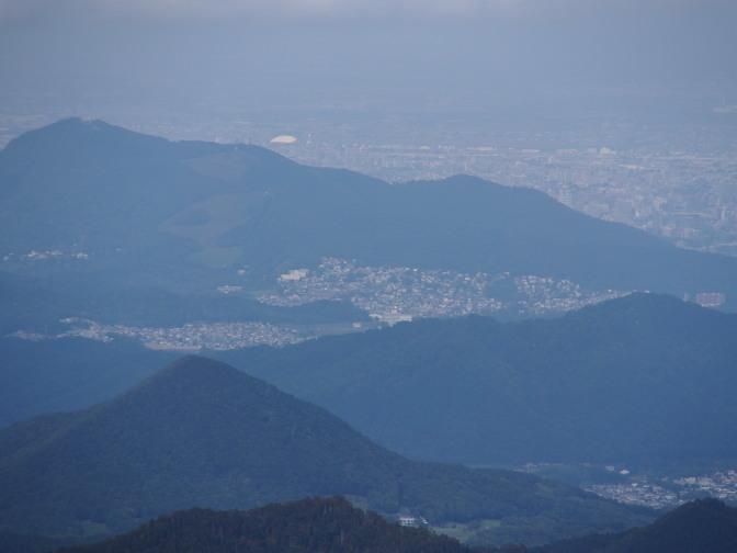 藤野三山と真駒内セキスイハイムアイスアリーナ