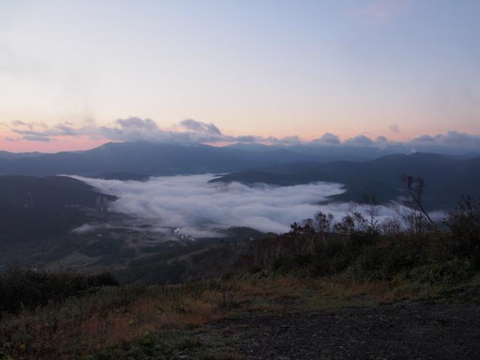 トマム雲海テラスの雲海と朝焼け