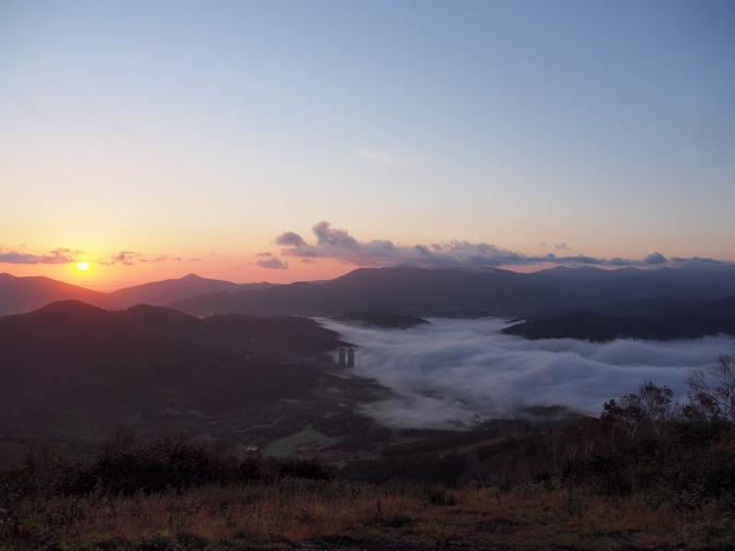 トマム雲海テラスの雲海とザ・タワー