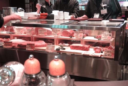 こんな感じで厨房にお肉があります