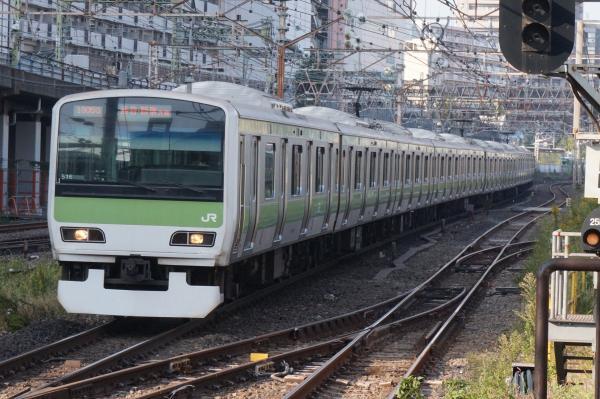 2015-10-24 山手線E231系トウ516編成 渋谷・新宿方面行き