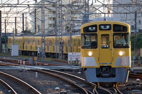 2015-11-03 西武2087F 各停池袋行き1