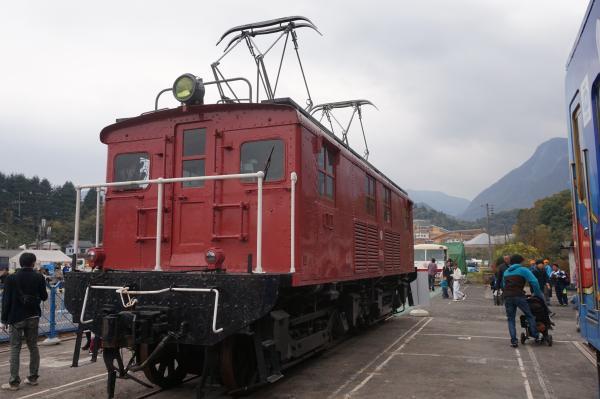 2015-11-07 E61形電気機関車