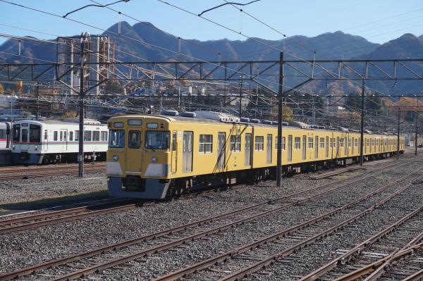 2015-12-05 西武2029F 4001F
