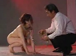 Japanese girl trained to behave like a dog - XVIDEOS.COM