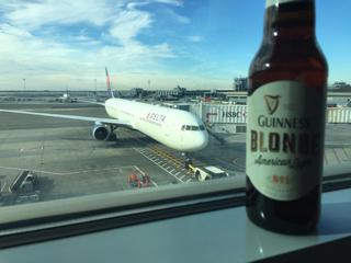 帰国便とビール