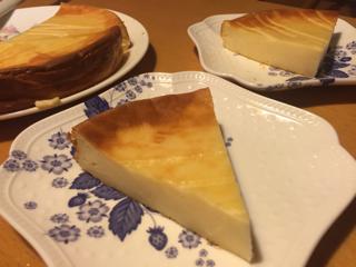 チーズケーキ切り分け後