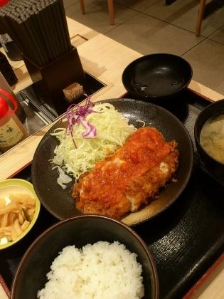 松乃家、チーズトマトささみかつ定食3