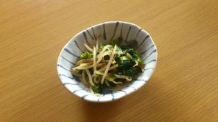 モヤシとほうれん草(縮)のオイスター炒め2