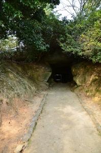 石室へ伸びる通路