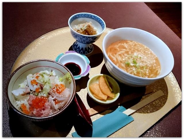 青森県 弘前市 土手町 ランチ グルメ まさ ランチメニュー 味噌煮込みうどんと海鮮丼