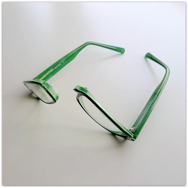 眼鏡が壊れました!!