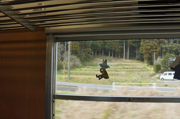 窓にもスナフキン