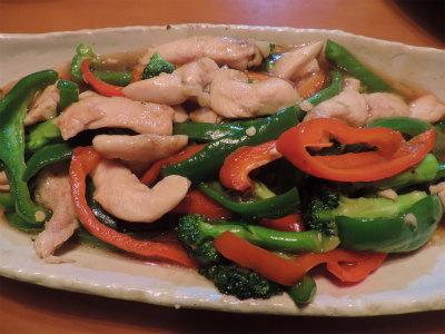 11.13鶏胸肉と彩り野菜の炒め物