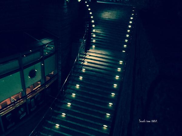 新橋階段ブログ用20151124
