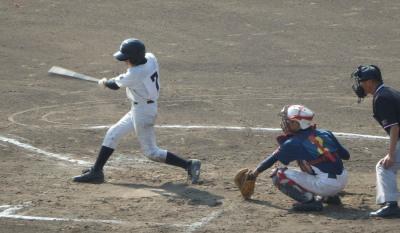 PA2411642回表無死二塁から8番の右中間二塁打で1点追加