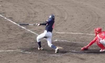 PB2115223回裏コスギ無死一、二塁から7番が走者一掃の三塁打を放ち4対3と逆転