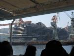 建造中の豪華客船(2015.10.24)